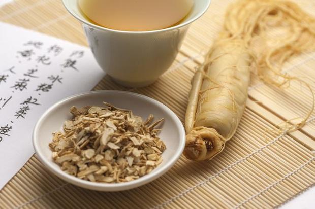 Mới đầu năm Hồ Quang Hiếu đã trúng ngộ độc vì ăn nhiều nhân sâm, bạn cần lưu ý một số điều khi dùng loại thuốc bổ này - Ảnh 5.