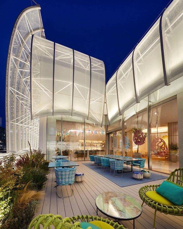 Louis Vuitton mở nhà hàng và tiệm cafe đầu tiên ở Osaka (Nhật Bản) vào trưa nay nhưng lại giới hạn khách vào mỗi tối - Ảnh 2.