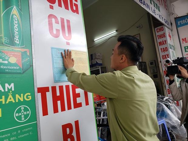 Bị lập biên bản vì hét giá khẩu trang, chủ cửa hàng ở Đà Nẵng nói: Không có lỗi vì phục vụ cho nhu cầu của người dân - Ảnh 8.