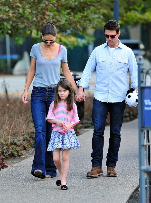 Hé lộ sự thật đằng sau việc Tom Cruise bỏ bê con gái sau 8 năm ly hôn, nguyên nhân liên quan đến Katie Holmes? - Ảnh 5.