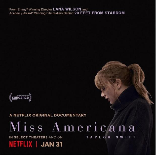 Có 2 Taylor Swift trong Miss Americana: Một cô gái đang yêu chạy lon ton ôm chầm Joe Alwyn và cô ca sĩ viết lời bài hát đá xéo Scooter Braun thâm như thường! - Ảnh 1.