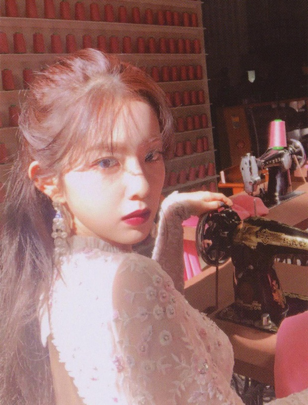 Bức ảnh chụp vội khoảnh khắc quay đầu của Irene nổi tiếng khắp Weibo: Nhan sắc đắt giá nhất nhì Kbiz là đây - Ảnh 5.