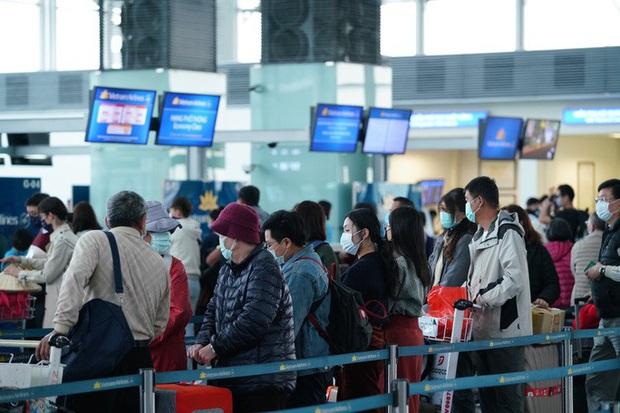 Lý do 27 khách Trung Quốc không lên máy bay rời Nội Bài về nước - Ảnh 1.