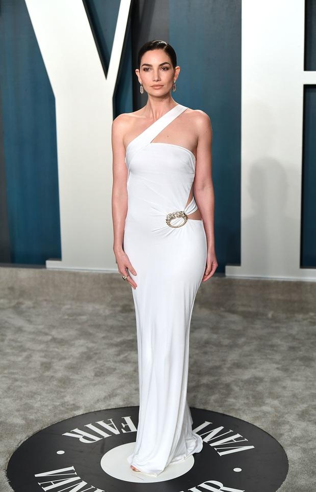 Tiệc hậu Oscar 2020: Chị em Kim ngồn ngộn chiếm trọn spotlight, cả dàn thiên thần Victorias Secret đè bẹp bà xã Justin Bieber - Ảnh 6.