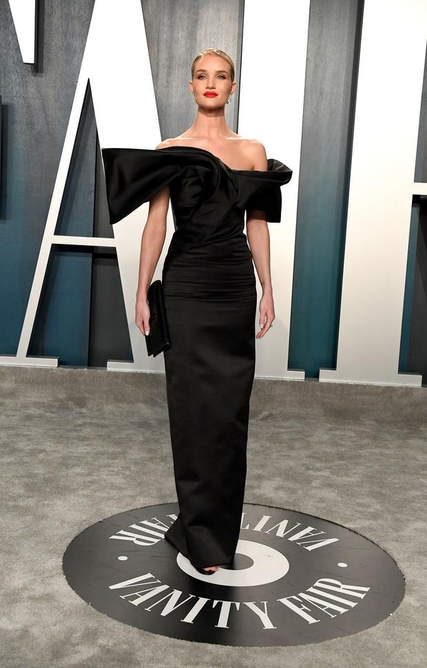 Tiệc hậu Oscar 2020: Chị em Kim ngồn ngộn chiếm trọn spotlight, cả dàn thiên thần Victorias Secret đè bẹp bà xã Justin Bieber - Ảnh 5.