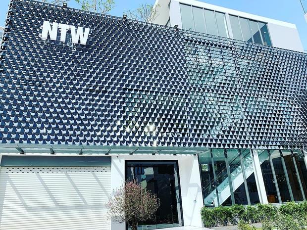 Hoa mắt vì biệt thự mới tậu của dàn sao Việt: Toàn bạc tỷ siêu sang, nhà Ngọc Trinh xa hoa như khách sạn 5 sao - Ảnh 14.
