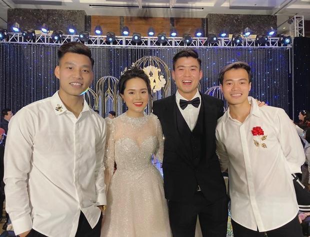 Đám cưới Quỳnh Anh - Duy Mạnh đã xong mà đến giờ khách mời vẫn chưa khoe hết ảnh: Hôn lễ cổ tích nó phải khác! - Ảnh 5.