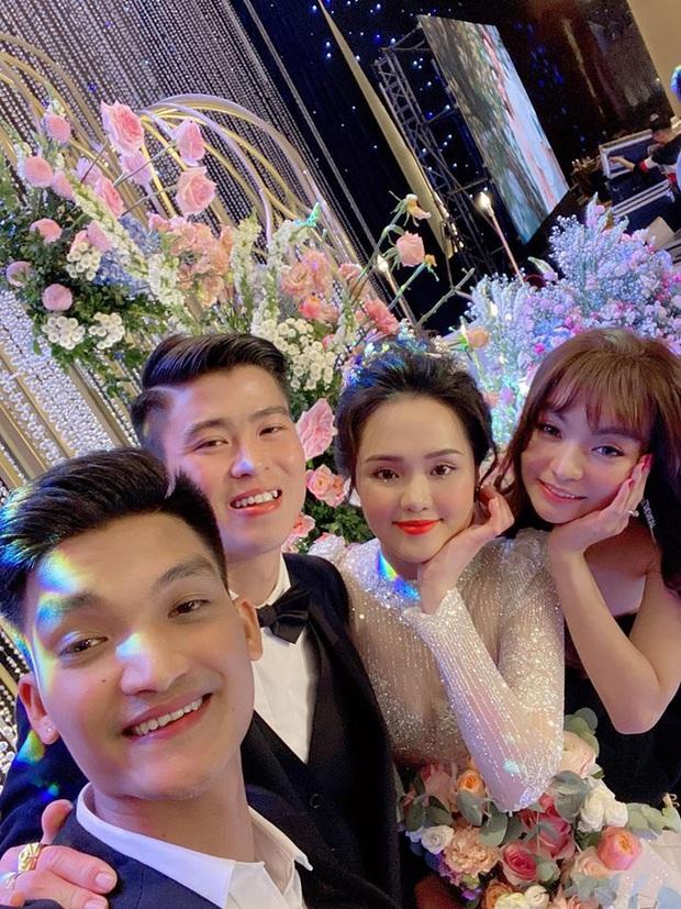 Đám cưới Quỳnh Anh - Duy Mạnh đã xong mà đến giờ khách mời vẫn chưa khoe hết ảnh: Hôn lễ cổ tích nó phải khác! - Ảnh 13.