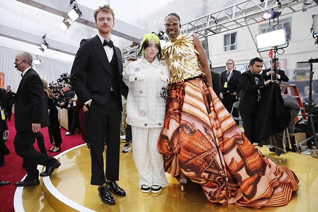 Nhân vật hot nhất Oscar 2020 gọi tên thánh chặt chém Billy Porter: Thế nào mà khiến Billie Eilish phải trố mắt nhìn? - Ảnh 1.