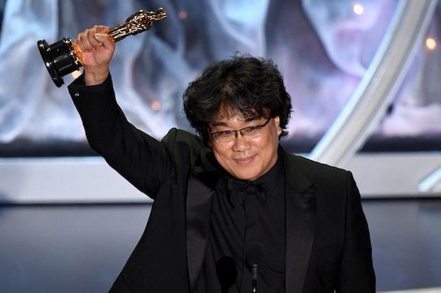 """Bong Joon Ho: """"Đằng sau vẻ hào nhoáng của Hàn Quốc là những người trẻ chìm trong tuyệt vọng"""" - Ảnh 1."""