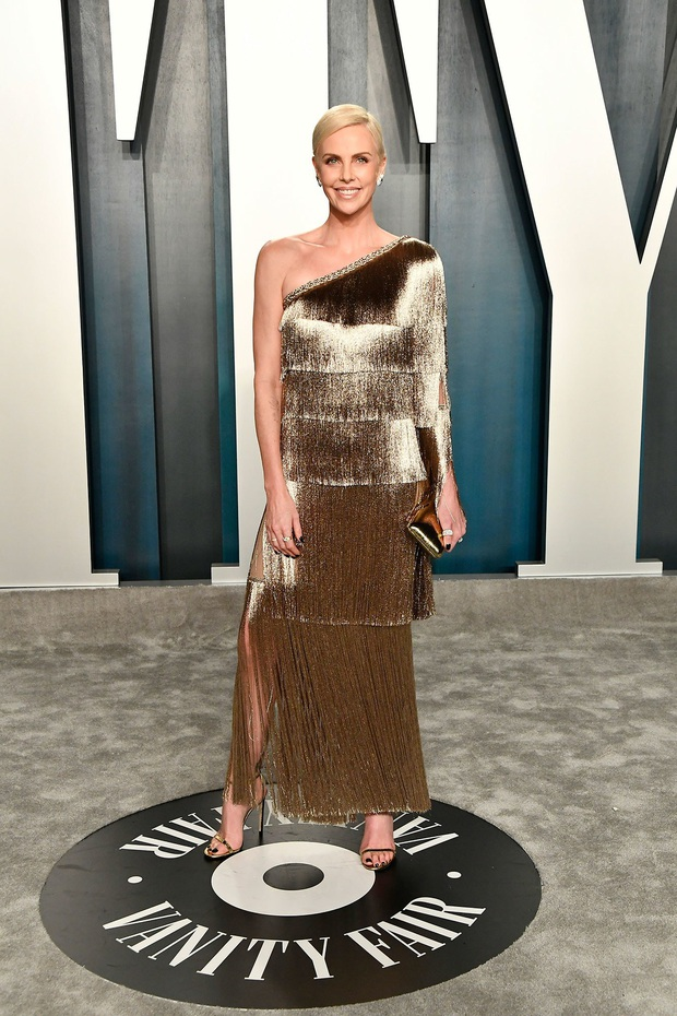 Tiệc hậu Oscar 2020: Chị em Kim ngồn ngộn chiếm trọn spotlight, cả dàn thiên thần Victorias Secret đè bẹp bà xã Justin Bieber - Ảnh 7.
