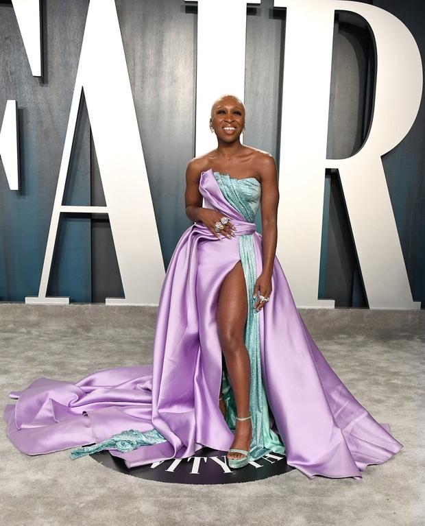 Tiệc hậu Oscar 2020: Chị em Kim ngồn ngộn chiếm trọn spotlight, cả dàn thiên thần Victorias Secret đè bẹp bà xã Justin Bieber - Ảnh 28.