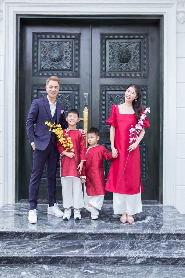 Hoa mắt vì biệt thự mới tậu của dàn sao Việt: Toàn bạc tỷ siêu sang, nhà Ngọc Trinh xa hoa như khách sạn 5 sao - Ảnh 6.