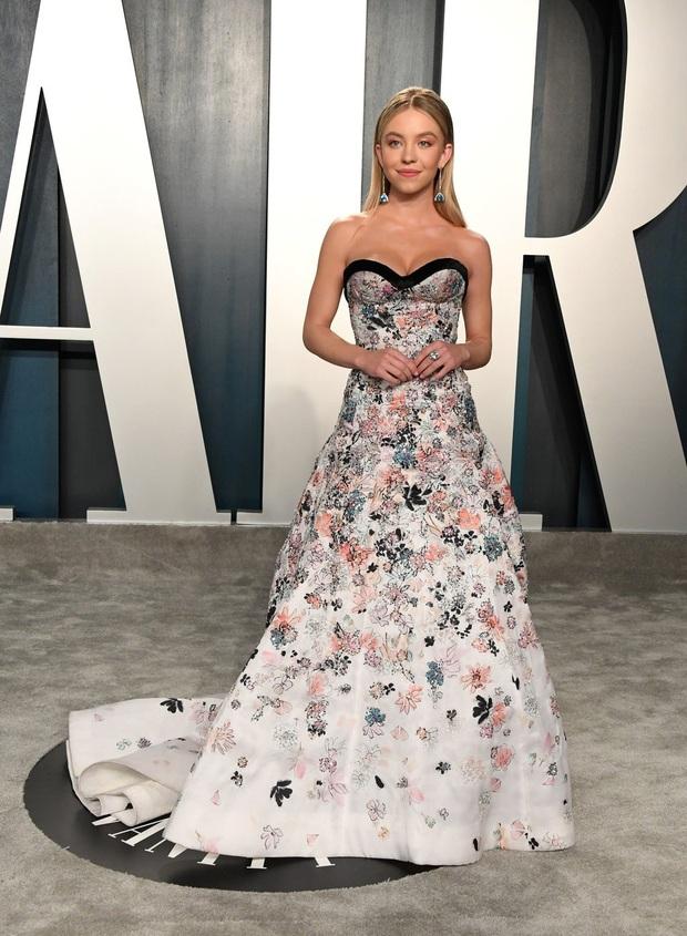 Tiệc hậu Oscar 2020: Chị em Kim ngồn ngộn chiếm trọn spotlight, cả dàn thiên thần Victorias Secret đè bẹp bà xã Justin Bieber - Ảnh 27.
