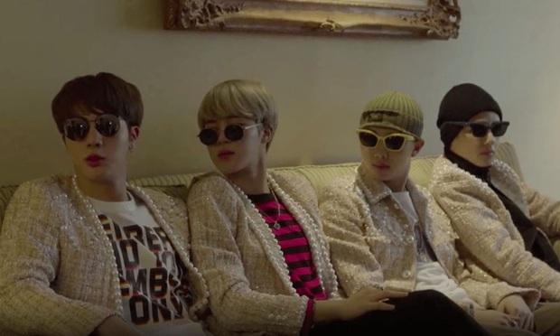 """Những concept tạo dáng từ """"ngầu đét"""" đến cực """"lầy"""" của BTS, đi ăn chơi hay du lịch muốn chụp ảnh nhóm đều xài được hết nè! - Ảnh 7."""
