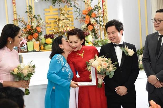 Tỉ tê chuyện mẹ chồng của dàn mỹ nhân Vbiz: Phạm Hương được cưng hết mực tại Mỹ, Đặng Thu Thảo là dâu quý chốn hào môn - Ảnh 10.