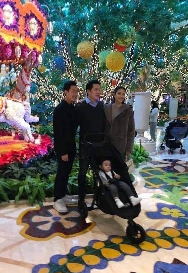 Được ông xã chiều chuộng chưa đủ, chỉ với một hành động nhỏ, Phạm Hương đã tiết lộ mối quan hệ đặc biệt với mẹ chồng! - Ảnh 4.