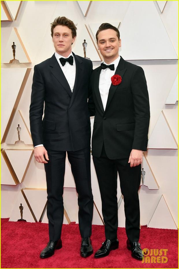 Siêu thảm đỏ Oscar 2020: Dàn sao Ký Sinh Trùng quá đỉnh, Goá Phụ Đen và Leonardo visual xuất sắc, sự kiện hỗn loạn vì mưa lớn - Ảnh 40.