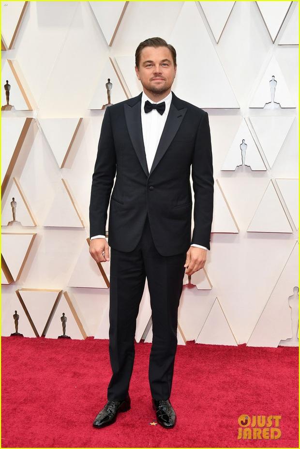 Siêu thảm đỏ Oscar 2020: Dàn sao Ký Sinh Trùng quá đỉnh, Goá Phụ Đen và Leonardo visual xuất sắc, sự kiện hỗn loạn vì mưa lớn - Ảnh 24.