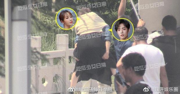 Rò rỉ bức ảnh Tiêu Chiến ghì hôn má Dương Tử cực nóng bùng nổ cả Weibo, chuyện gì đang xảy ra thế này? - Ảnh 3.