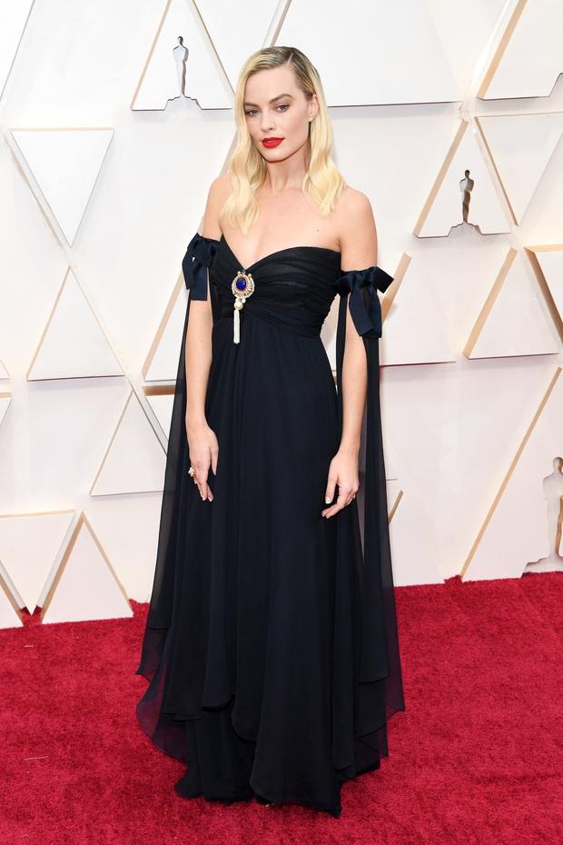 Top mặc đẹp nhất Oscar 2020 toàn gương mặt thân quen, từ nam nhân thích mặc váy đến Billie Eilish, duy có một nhân tố nhỏ tuổi lại gây bất ngờ - Ảnh 1.