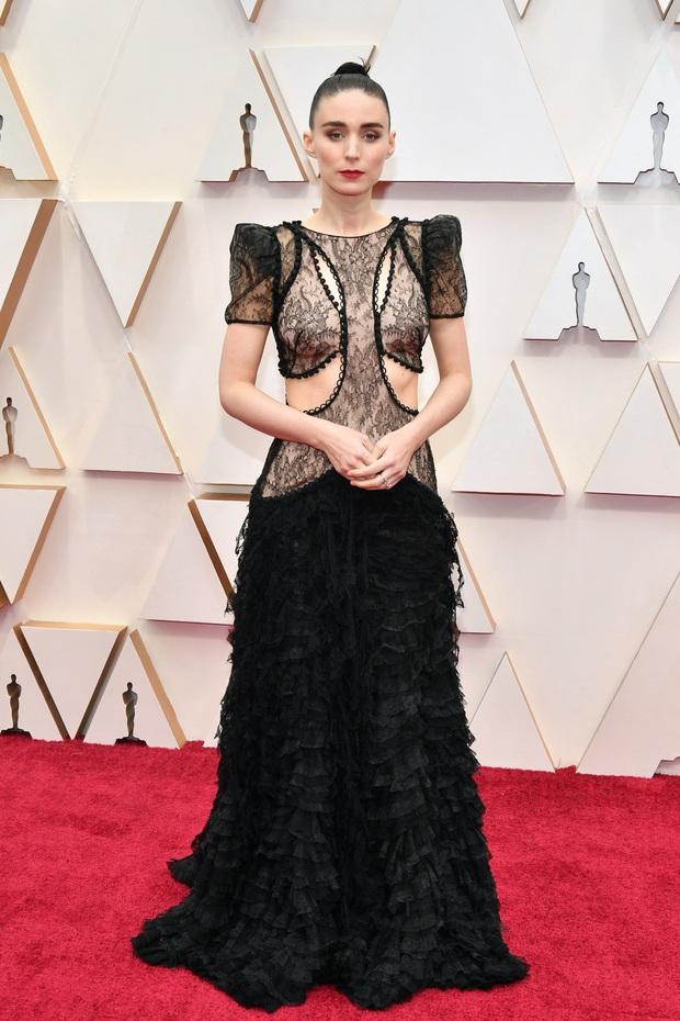 Top mặc đẹp nhất Oscar 2020 toàn gương mặt thân quen, từ nam nhân thích mặc váy đến Billie Eilish, duy có một nhân tố nhỏ tuổi lại gây bất ngờ - Ảnh 10.