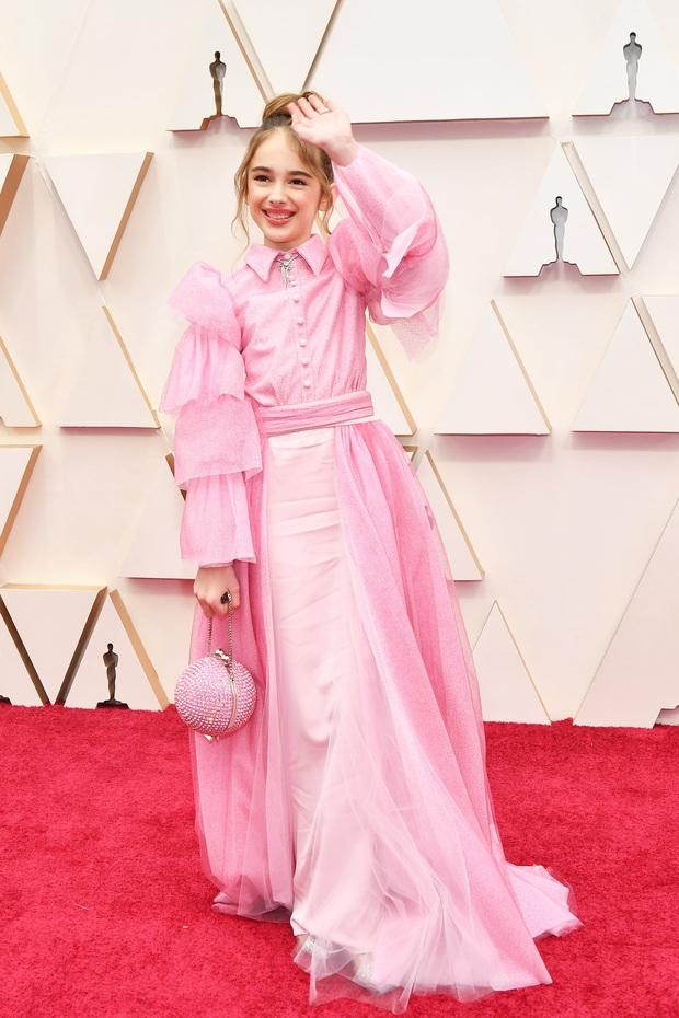 Top mặc đẹp nhất Oscar 2020 toàn gương mặt thân quen, từ nam nhân thích mặc váy đến Billie Eilish, duy có một nhân tố nhỏ tuổi lại gây bất ngờ - Ảnh 2.