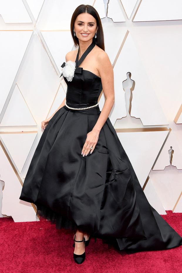 Top mặc đẹp nhất Oscar 2020 toàn gương mặt thân quen, từ nam nhân thích mặc váy đến Billie Eilish, duy có một nhân tố nhỏ tuổi lại gây bất ngờ - Ảnh 6.