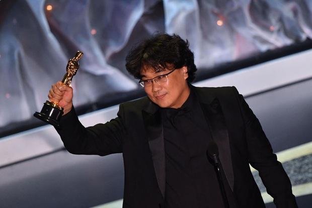 Sau khi Parasite ẵm một hơi 4 giải xịn nhất ở Oscar 2020, đạo diễn Bong Joon Ho vỡ òa: Điều này thật sự điên rồ! - Ảnh 3.