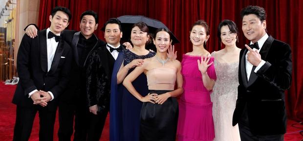 Parasite vừa giành 4 tượng vàng Oscar, các cụm rạp vội vàng chiếu phim thêm lần nữa - Ảnh 5.