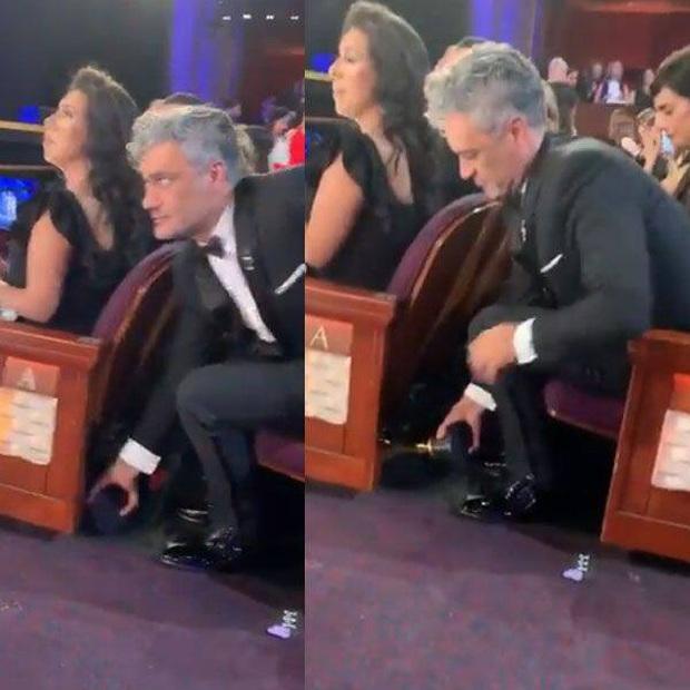 10 khoảnh khắc viral nhất đêm Oscar lịch sử: Người sợ mất tượng vàng bèn cất dưới gầm ghế, đạo diễn Bong gục sau cánh gà - Ảnh 15.