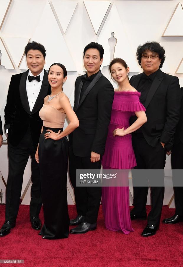 Quả bom gợi cảm của Ký Sinh Trùng: Bê nguyên si công thức mặc đẹp bấy lâu nay đến Oscar lại thành ra nhạt nhòa - Ảnh 3.