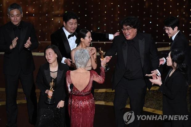 Tổng thống Moon Jae In: Parasite lay động trái tim khán giả toàn thế giới với câu chuyện đậm chất Hàn Quốc - Ảnh 2.