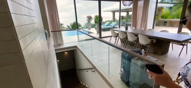 Hoa mắt vì biệt thự mới tậu của dàn sao Việt: Toàn bạc tỷ siêu sang, nhà Ngọc Trinh xa hoa như khách sạn 5 sao - Ảnh 5.