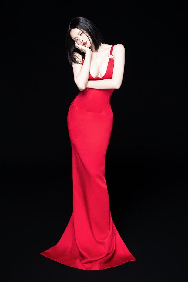 Trương Quỳnh Anh lột xác sexy hậu ly hôn: Diện váy xẻ sâu hun hút khoe trọn ngực đầy, nhan sắc ngày càng thăng hạng - Ảnh 5.