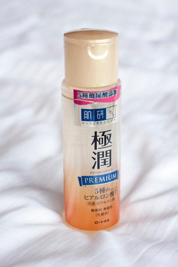 8 món skincare Nhật giá mềm được các cô nàng da đẹp toàn cầu khen tới khen lui, bảo sao bán chạy như tôm tươi trên Amazon - Ảnh 4.