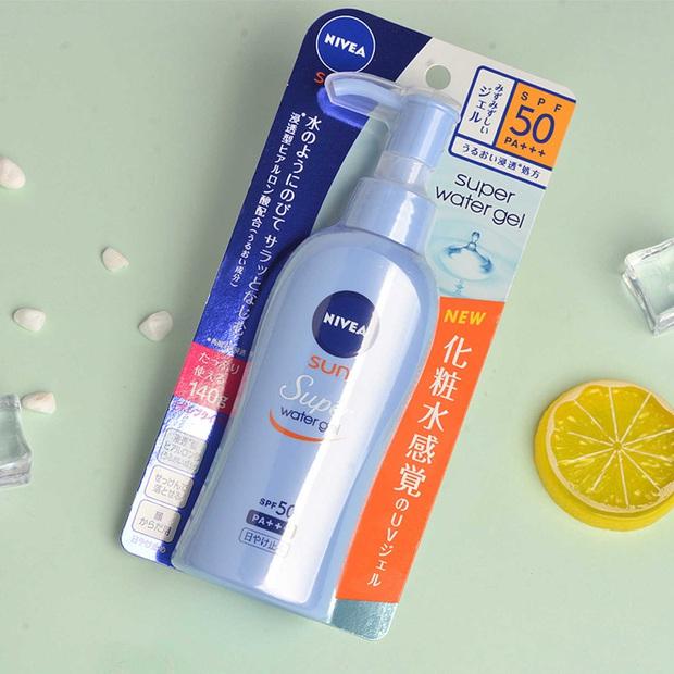 8 món skincare Nhật giá mềm được các cô nàng da đẹp toàn cầu khen tới khen lui, bảo sao bán chạy như tôm tươi trên Amazon - Ảnh 5.