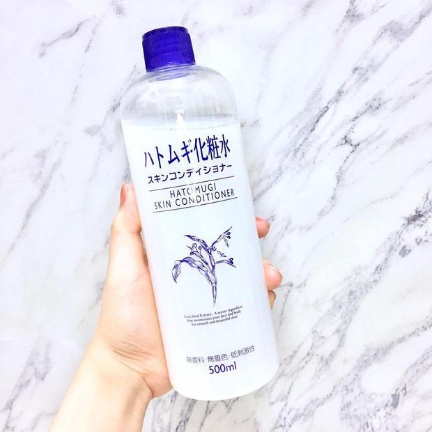 8 món skincare Nhật giá mềm được các cô nàng da đẹp toàn cầu khen tới khen lui, bảo sao bán chạy như tôm tươi trên Amazon - Ảnh 6.