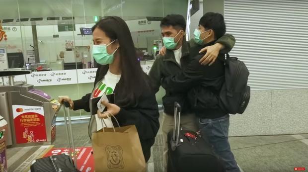 """Đánh liều """"đối đầu"""" với virus Corona, Đông Nhi - Ông Cao Thắng rủ cả gia đình du lịch Đài Loan dịp đầu năm, vui vẻ đi ăn uống khắp nơi - Ảnh 26."""