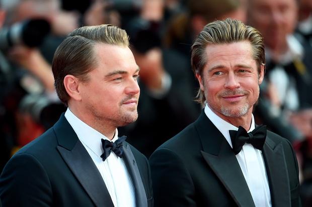 Khoảnh khắc ngôn tình hot nhất Oscar 2020: Leonardo nhìn Brad Pitt đắm đuối, tay nắm chặt tay như chỉ đôi ta tồn tại - Ảnh 6.