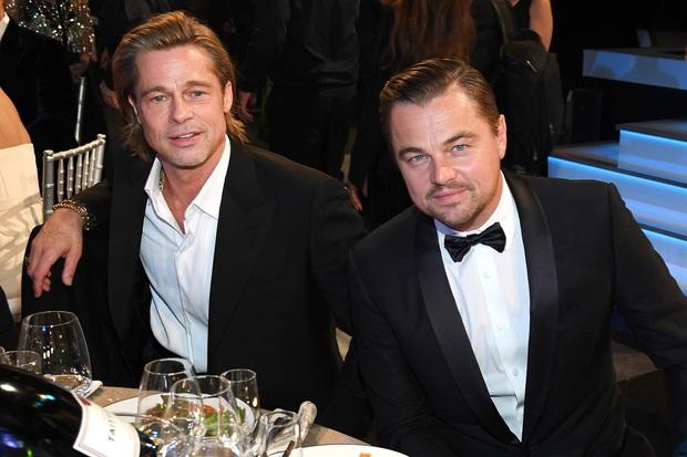Khoảnh khắc ngôn tình hot nhất Oscar 2020: Leonardo nhìn Brad Pitt đắm đuối, tay nắm chặt tay như chỉ đôi ta tồn tại - Ảnh 5.