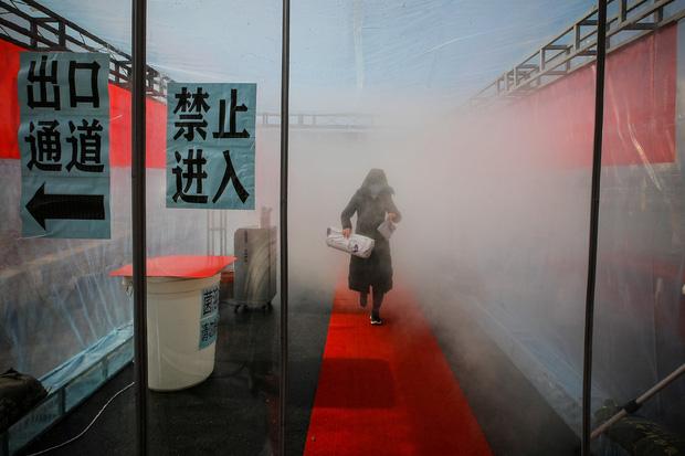 1/3 ca nhiễm virus corona ở Thiên Tân có liên quan đến một trung tâm thương mại, hàng ngàn người vào diện cách ly - Ảnh 1.