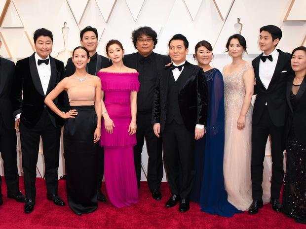 Hoa hậu Hàn và Gong Hyo Jin bỗng bị khủng bố vì dự tiệc hậu Oscar, căng đến mức team Ký sinh trùng phải lên tiếng - Ảnh 8.