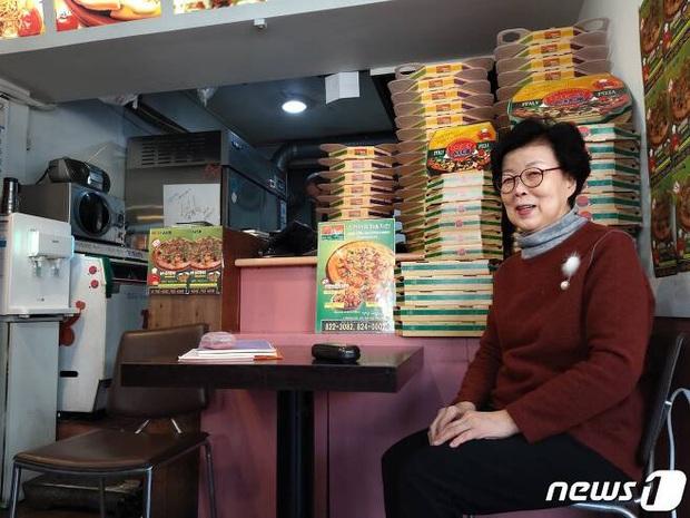 Khu phố Kí Sinh Trùng đời thực xúc động trước thành tựu lịch sử của Parasite: Khách đến ăn pizza còn xin tôi cái hộp làm kỉ niệm! - Ảnh 6.