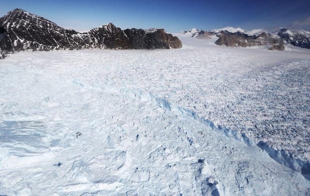 Nhiệt độ Châu Nam Cực ở mức cao kỷ lục, băng tan ở khắp nơi - Ảnh 3.