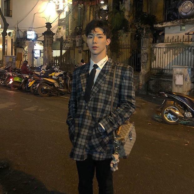 Street style sao Việt: Tóc Tiên bất ngờ kín đáo để cosplay Yoon Se Ri, Ngọc Trinh lên đồ sexy nhưng không nóng mắt - Ảnh 13.