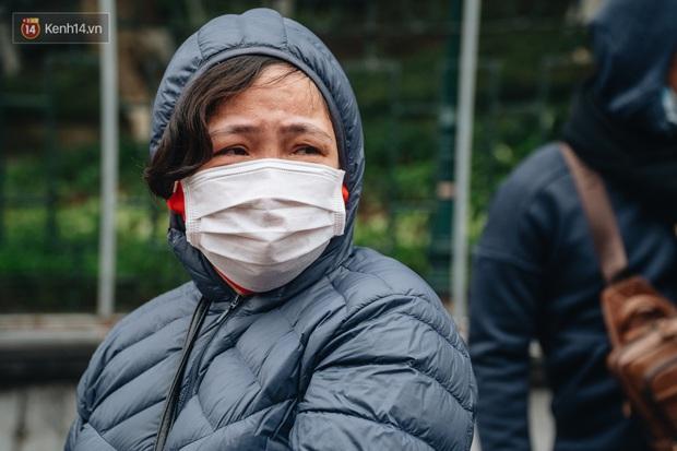 Ảnh: Đo thân nhiệt, phát khẩu trang cho các tân binh tại lễ giao nhận quân nhân giữa dịch virus Corona - Ảnh 17.
