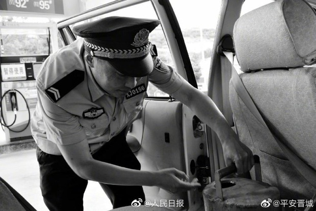 Nhân viên cảnh sát qua đời vì kiệt sức sau nhiều ngày chiến đấu không ngừng nghỉ với dịch virus corona - Ảnh 2.