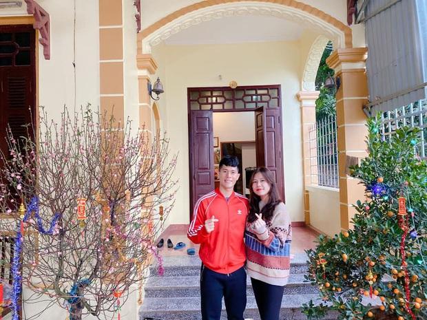 Duy Mạnh đã lấy vợ, Đình Trọng cũng công khai người yêu 5 năm, tặng nhẫn mừng valentine lại đưa nhau về nhà ra mắt - Ảnh 2.