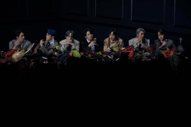 4 concept trong album sắp tới của BTS: visual, bối cảnh đẹp xuất sắc, theory khiến ARMY tiếp tục xoắn não khi liên hệ về tận album WINGS? - Ảnh 14.
